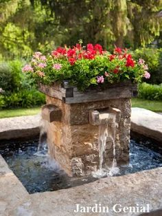 Фонтаны на дачном участке — это роскошный декоративный элемент садово-парковой  архитектуры, представляющий  собой не только украшение сада,  но и прекрасный источник  живительной влаги, который освежает в летние жаркие дни.  #JardinGenial #ландшафтный_дизайн #Озеленение #Освещение #Полив #Постройки_на_участке