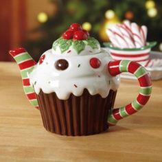 CHRISTMAS CAKE CERAMIC TEAPOT 5.5  HEIGHT NEW