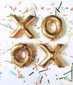(1) Mini 7 inch gold mylar letter or number balloon (ships deflated) - Balloons are meant to be air inflated & will NOT float - Balloons