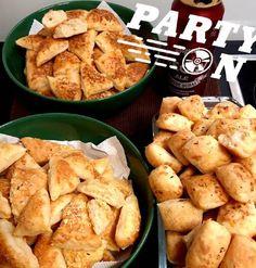 Cheddar, Potatoes, Vegetables, Food, Cheddar Cheese, Potato, Essen, Vegetable Recipes, Meals