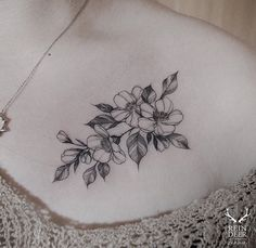 . Cute Little Tattoos, Small Girl Tattoos, Tattoos For Women, Mini Tattoos, Black Tattoos, Cool Tattoos, Tatoos, Flower Tattoo Designs, Flower Tattoos