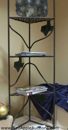 State-featured (Texas, in this case) resting nook, made by high school shop class School Auction Projects, Class Projects, Shop Class, School Fundraisers, Silent Auction, Auction Items, Nook, Fundraising, Charity