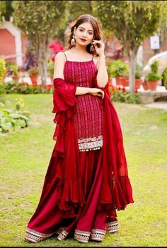 Tania is a young and newcomer Punjabi actress. She started her acting career with Punjabi film Qismat in images: Party Wear Indian Dresses, Designer Party Wear Dresses, Indian Gowns Dresses, Indian Bridal Outfits, Kurti Designs Party Wear, Indian Fashion Dresses, Dress Indian Style, Lehenga Designs, Indian Designer Outfits