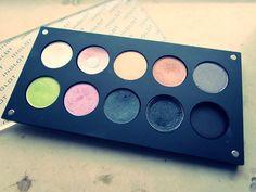 """instrukcja jak z pojedynczych cieni zrobić paletkę :) Pin: jak wykonać paletkę - znajduje się na mojej Tablicy """"good idea"""" :)"""