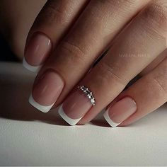 45 Awesome French Nail Art Designs French manicure design is perfect for shorter nails but will also look great on all lengths. But you know like any fashion, the nail industry has its own common trends and trends. Over the creation French Nails, French Manicure Nails, Red Nails, French Tip Nail Designs, Acrylic Nail Designs, Nail Art Designs, Gorgeous Nails, Pretty Nails, Diy Sharpie
