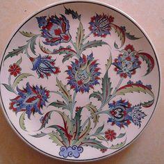 Turkish Tiles, Turkish Art, Pottery Painting, Ceramic Painting, Painted Pottery, Glass Ceramic, Ceramic Plates, Tile Art, Mosaic Art