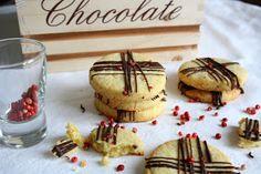Biscotti al pepe rosa e cioccolato
