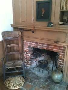 primitive homes decor Primitive Fireplace, Country Fireplace, Primitive Homes, Fireplace Hearth, Country Primitive, Primitive Decor, Fireplaces, Stove Fireplace, Primitive Quilts
