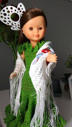 Christmas Ornaments, Holiday Decor, Hair Styles, Classic, Beauty, Dresses, Flamenco Dresses, Skirt, Antigua