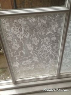 DIY lace window privacy screening--lace and cornstarch paste. Diy Lace Privacy Window, Window Coverings, Window Treatments, Window Panes, Window Shutters, Window Film, Traditional Curtains, Do It Yourself Furniture, Bathroom Windows