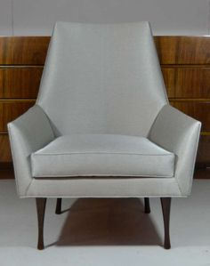 Pair of Symmetric Lounge Chairs by Paul McCobb for Widdicomb image 3