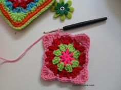 ElenaRegina wool: Portatutto fiorellosi Fiorelli, Crochet Handbags, Crochet Patterns, Wool, Crafts, Anna, Craft, Totes, Bedspreads
