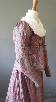 Dutch Printed cotton c1820s shortgown & petticoat