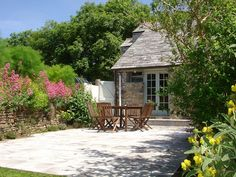 3 bedroom cottage in Camelford with garden from £850/PW