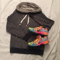 Oversize jogging sweater Oversize jogging sweater. Cowlneck with ties. Grey and dark grey on wrists and bottom. Super comfy! SO Sweaters Cowl & Turtlenecks