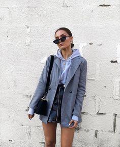 Moda Fashion, Fashion Tag, Blazer Fashion, Sweater Fashion, Fashion Women, Fashion Outfits, Style Fashion, Matrix Sunglasses, Travelling Outfits