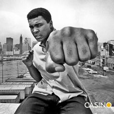 Muhammad Ali Chicago City Skyline Art Silk Cloth Poster Home Wall Decor Muhammad Ali, City Skyline Art, Heavyweight Boxing, Bath Art, Boxing Champions, Chicago City, Workout Videos, Pop Culture, Teen