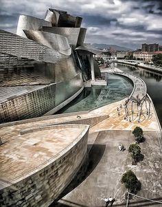 Guggenheim Museum, Bilbao, País Vasco, Spain.