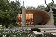Brilliant Use of Cast Stone in 'People's Choice' Award Winning Garden at The Chelsea Flower Show...https://www.gardenforum.co.uk/products/gardening/