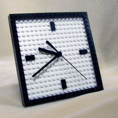 """Modern Desk Clock, by Dave Shaddix"" Lego clock *. Diy Projects To Sell, Lego Projects, Modern Clock, Modern Desk, Lego App, Lego Room Decor, Lego Party Favors, Lego Desk, Lego Decorations"
