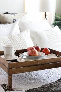 Best breakfast in bed diy wood tray ideas Breakfast Bar Kitchen, Breakfast Tray, Breakfast For Kids, Breakfast Ideas, Bed Tray Diy, Diy Bed, Pottery Barn Teen Bedding, Healthy Breakfast Smoothies, Wood Tray