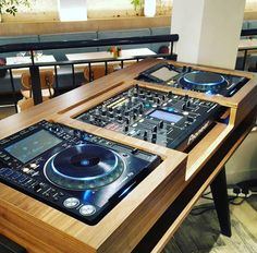 dj booth dj pult dj tisch bauanleitung aus ikea m beln. Black Bedroom Furniture Sets. Home Design Ideas