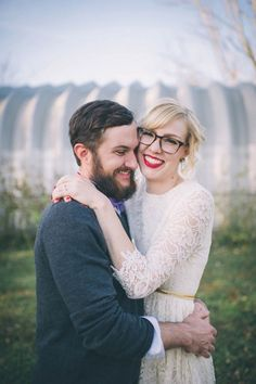 These brides rock their glasses on their wedding day. Perhaps a stop by RetroSpecs & Co. is in order? #MarriedInLV