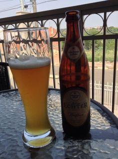 Cerveja Julius Echter Premiu , estilo German Weizen, produzida por Würzburger Hofbräu, Brasil. 5.3% ABV de álcool.