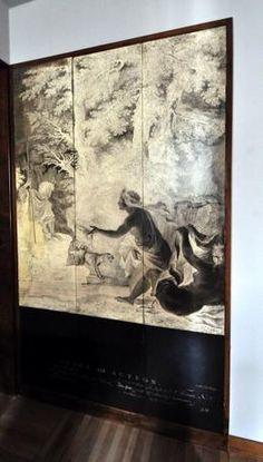 Scrostato l'intonaco, è stata scoperta un'incisione del Settecento dell'editore inglese Boydell, raffigurante una scena bucolica con le figure di Diana e Atteone e due cani. Le stampe del Boydell erano uno dei tanti leitmotiv usati da Portaluppi nella decorazione