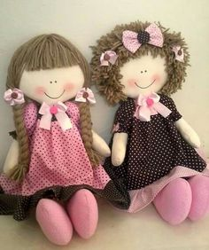 Diy Rag Dolls, Sewing Dolls, Diy Doll, Doll Patterns, Doll Clothes Patterns, Doll Videos, Creation Couture, Miniature Crafts, Doll Hair