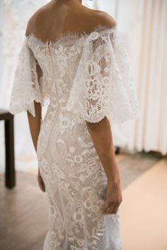 21 Oh So Amazing Bell Sleeve Wedding Dresses #wedding #dresses