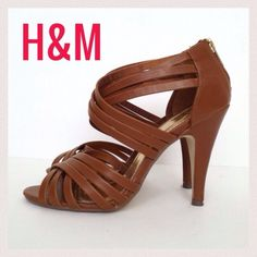 ❤HOST PICK❤ Gorgeous Tan H&M Heels Gorgeous Tan H&M Heels. Worn once. Versatile & neutral tan color goes with everything! Faux leather with multi strap design. Zippers at back of ankle. 4 inch heel. The perfect Fall heels to add a bit of flirty playfulness to your jeans or skirts & dresses! ✅Bundles Trades PayPal H&M Shoes Heels