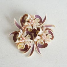SOLD Vintage shell craft pin or brooch floral in brown, cream and pink by trendybindi, $25.00 #seashell #jewelry #accessories #fashion