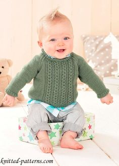 23 super Ideas for knitting jumper baby sweaters Baby Boy Knitting Patterns, Jumper Knitting Pattern, Knitting For Kids, Crochet For Kids, Baby Patterns, Free Knitting, Crochet Baby, Baby Jumper, Baby Cardigan