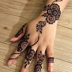 The mehndi provide uniqueness and attractiveness to your decorated design. In this article, you will see Simple Mehndi Designs For Beginners. Henna Hand Designs, Eid Mehndi Designs, Mehndi Designs Finger, Indian Henna Designs, Mehndi Designs For Girls, Mehndi Designs For Beginners, Mehndi Designs For Fingers, Stylish Mehndi Designs, Mehndi Design Images
