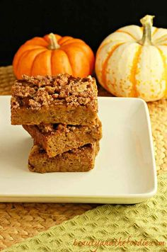 Magical Paleo Pumpkin Crumble Bars, paleo and low carb