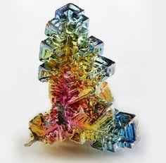 地球には存在しえない宇宙の鉱物を3Dのレンダリングで再現したのかと思いましたよ。 驚くべきことに、...