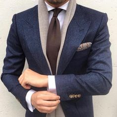 Worry no more my man! Because we've got the most Stylish Wedding Suit Styles For Nigerian Men which you could choose from the best naija men wedding suits styles of Gentleman Mode, Modern Gentleman, Gentleman Style, Gentleman Fashion, Mens Fashion Suits, Mens Suits, Classy Mens Fashion, Suit Men, Fashion Black