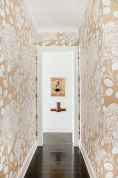 Wallpapered hallway. Pencil and Paper Development Co. Photo: Leslee Mitchell lesl.ee