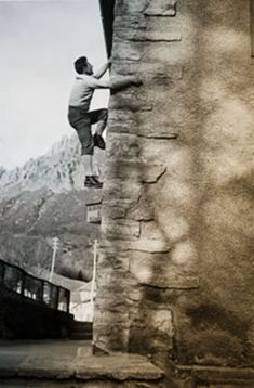 walter bonatti climbing urban Mountaineering, Climbers, Bouldering, In This Moment, Urban, Street, Classic, Vintage, Mountain Climbing