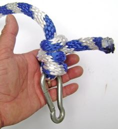 Step by step instructions with photos for how to tie a Buntline Hitch Knot for a rope tree swing.