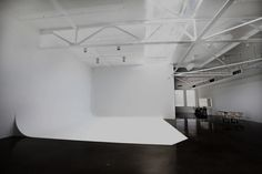 Advanced Studio Technologies pioneered the perfect-radius cyc wall. Our green screen cyc is used by top studios. Call about installing a studio cyc. Dream Studio, Home Studio, Studio Spaces, Sound Stage, Photographic Studio, Interior Photo, Background For Photography, Interior Architecture, Loft