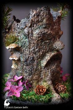 Old Stump Pen Stand Nature Forest Miniature by ZlatasFantasyForest