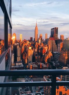 Travel Sights, Places To Travel, Places To Visit, City Aesthetic, Travel Aesthetic, Concrete Jungle, City Vibe, Nyc Life, Dream City