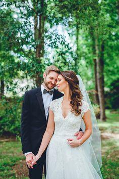 Stunning bride and groom portrait #brideandgroom #7centerpieces