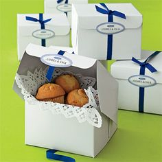 """Pack mini muffins in a bakery box for a B feel. """"Metropolitan"""" labels from evermine.com"""