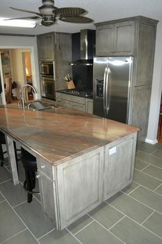 Contemporary With Medallion Appaloosa Finish Copper River