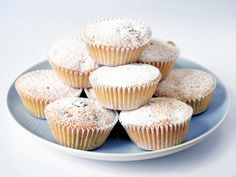Queen_Cakes were mentioned in an episode of Lark Rise to Candleford.