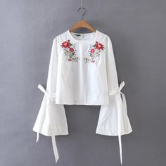 2017 Fashion Blusas Pullover Shirts Floral Embroidery Plaid Women Blouses Flare Sleeve Tied Cuff O Neck Casual Loose Brand Tops