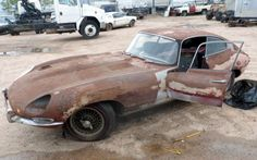 Ugly Duckling: 1965 Jaguar E-Type Jaguar Type, Rat Rod Cars, Xjr, Classic Mustang, Rusty Cars, Car Restoration, Ugly Duckling, Abandoned Cars, E Type